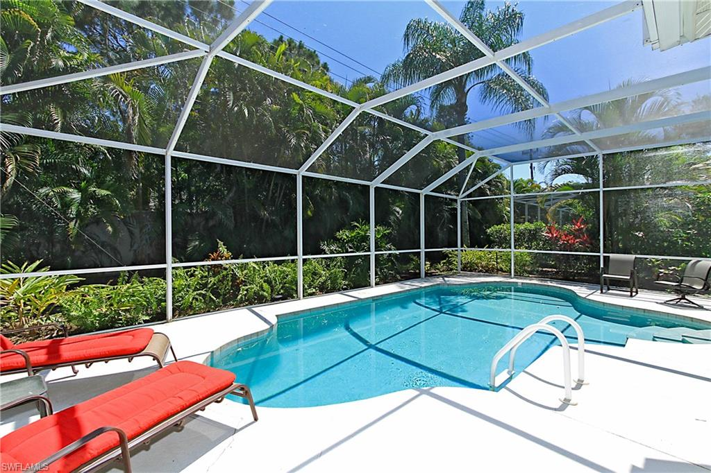 1821 Winding Oaks WAY, NAPLES, FL 34109
