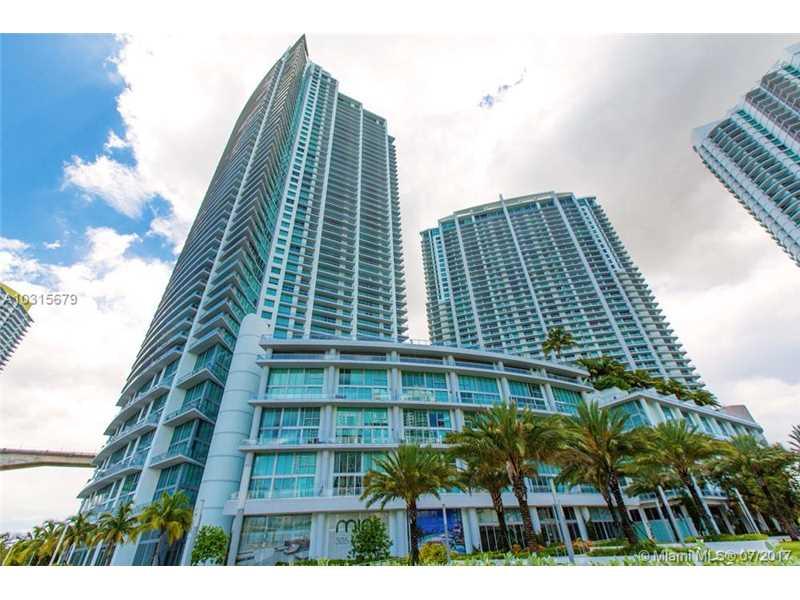 90 SW 3rd St TH502, Miami, FL 33130