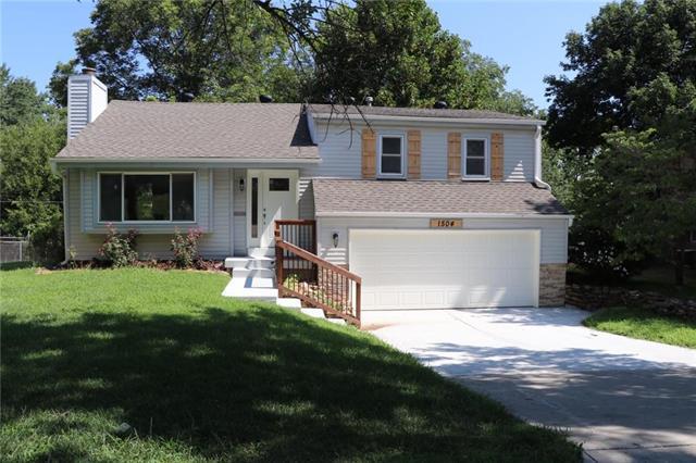 1504 W Concord Drive, Olathe, KS 66061