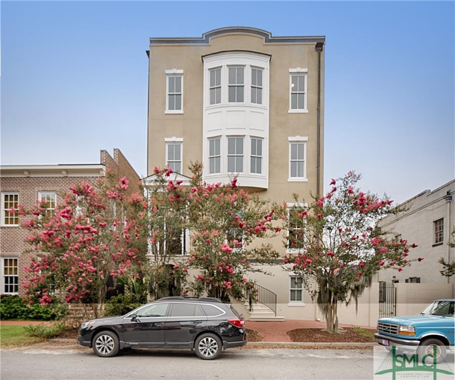 510 E McDonough Street, Savannah, GA 31401