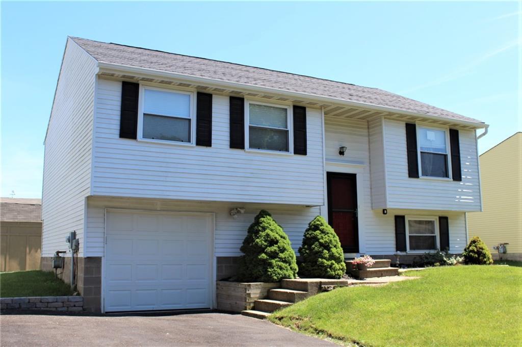 1607 Wheatstone Drive, Farmington, NY 14425