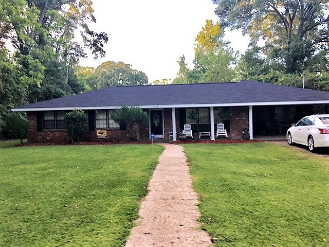 422 west cherokee, Centreville, MS 39631