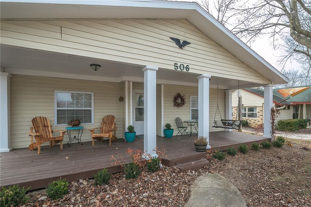 506 NE 2nd ST, Bentonville, AR 72712