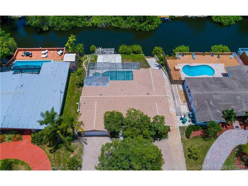 2355 NE 195th St, Miami, FL 33180