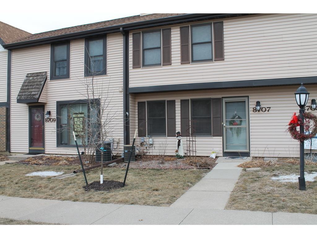 8707 Townsend Avenue C, Urbandale, IA 50322