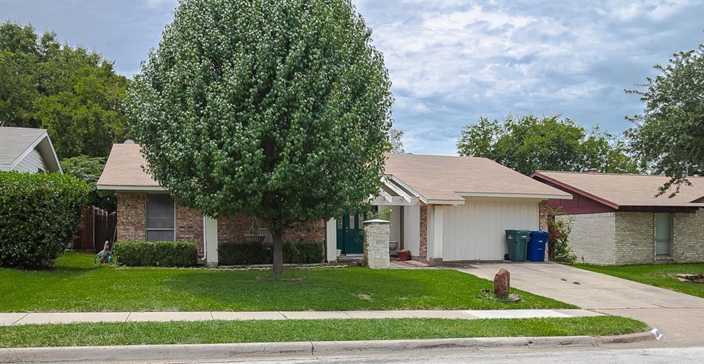 1804 Elmwood Lane, Carrollton, TX 75006