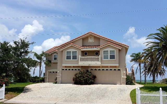 1112 Water St, ROCKPORT, TX 78382