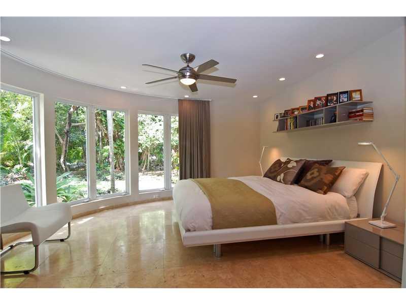 106 W 4th Ct, Miami Beach, FL 33139