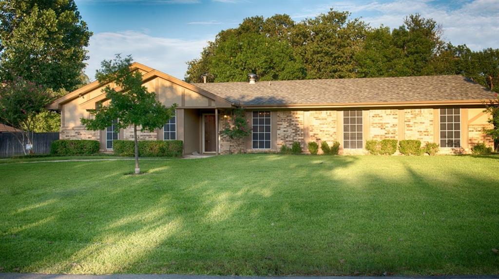 218 Stone Canyon Drive, Highland Village, TX 75077