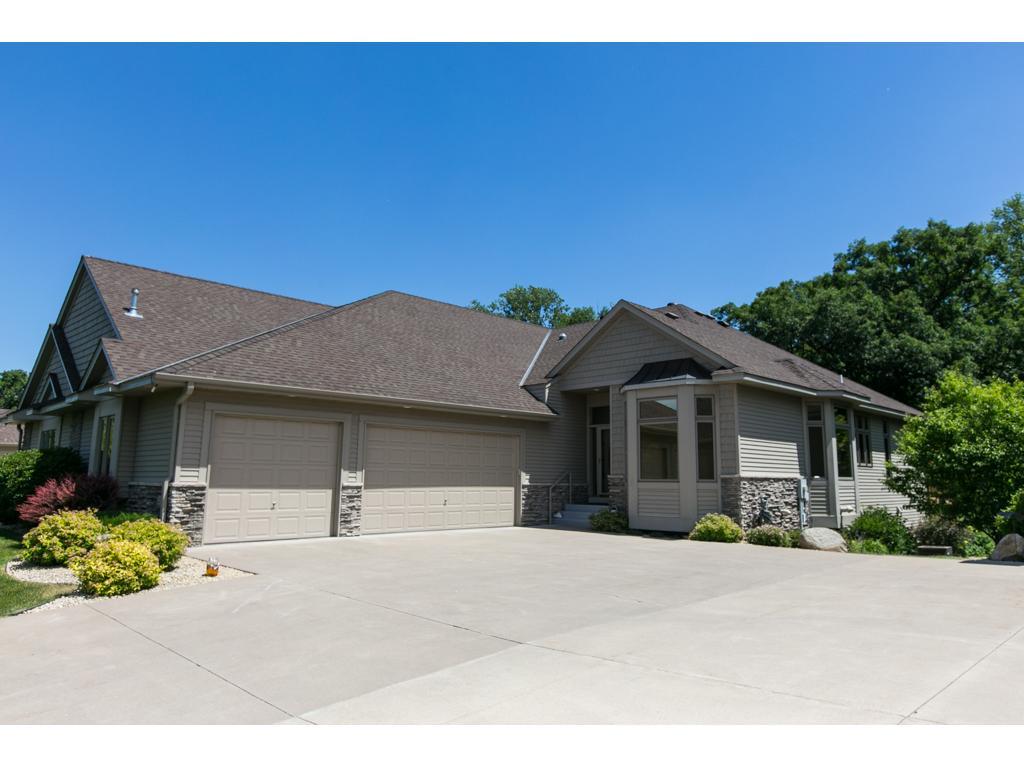 2190 Midland View Court N, Roseville, MN 55113