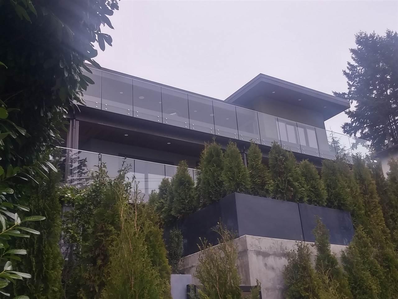 3563 SUNSET LANE, West Vancouver, BC V7V 1N3