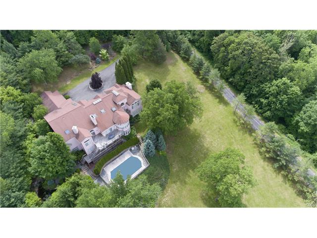 6 Halpine Road, New Milford, CT 06776