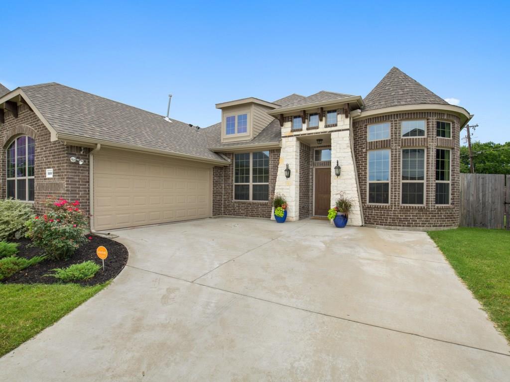 9105 Canyon Creek Drive, Rowlett, TX 75088