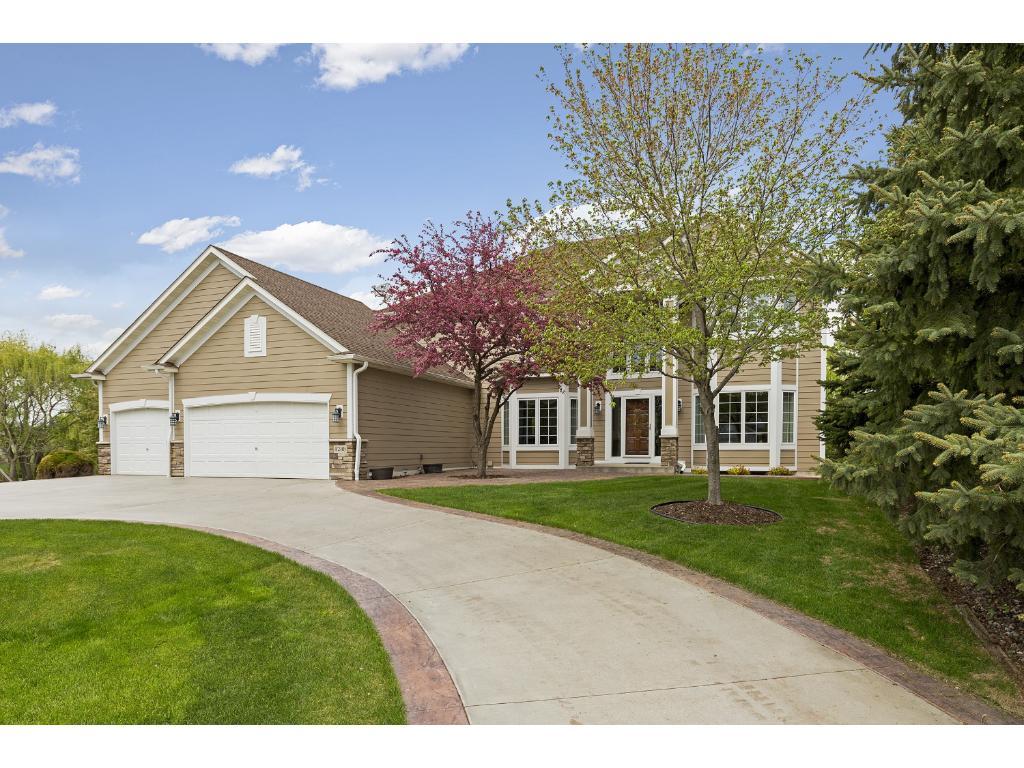 8288 Enclave Road, Woodbury, MN 55125