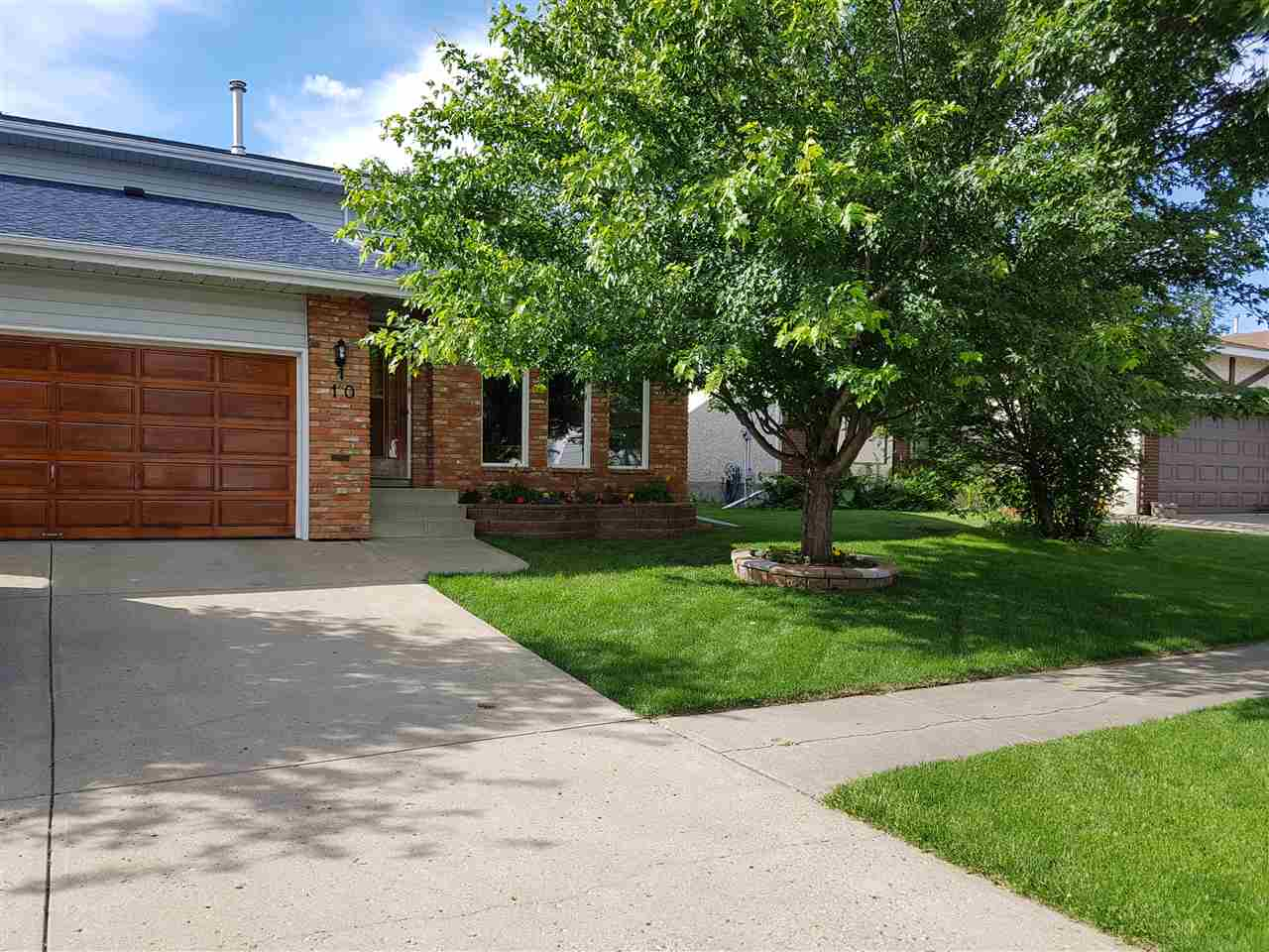 10 DONLEVY Place, St. Albert, AB T8N 4W2