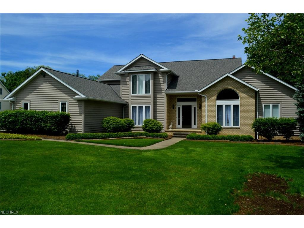 35051 Glen Kyle Ln, Willoughby Hills, OH 44094