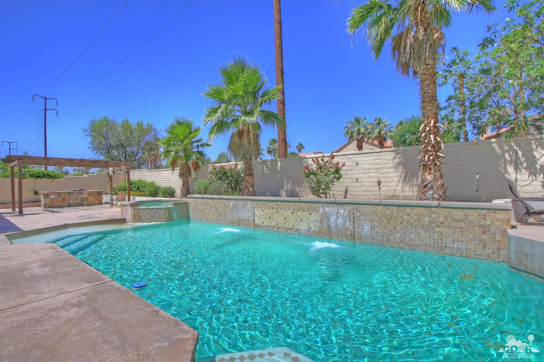 135 Bellini Way, Palm Desert, CA 92211