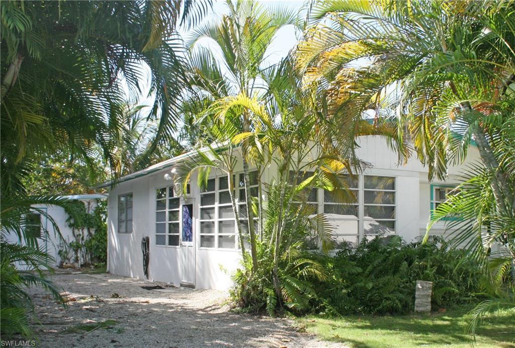 620 Palm AVE, GOODLAND, FL 34140