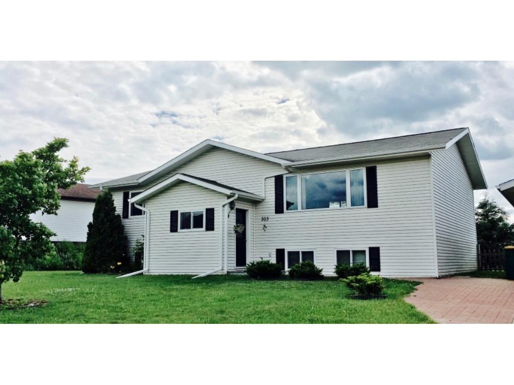 303 Skiview Avenue, Coleraine, MN 55722