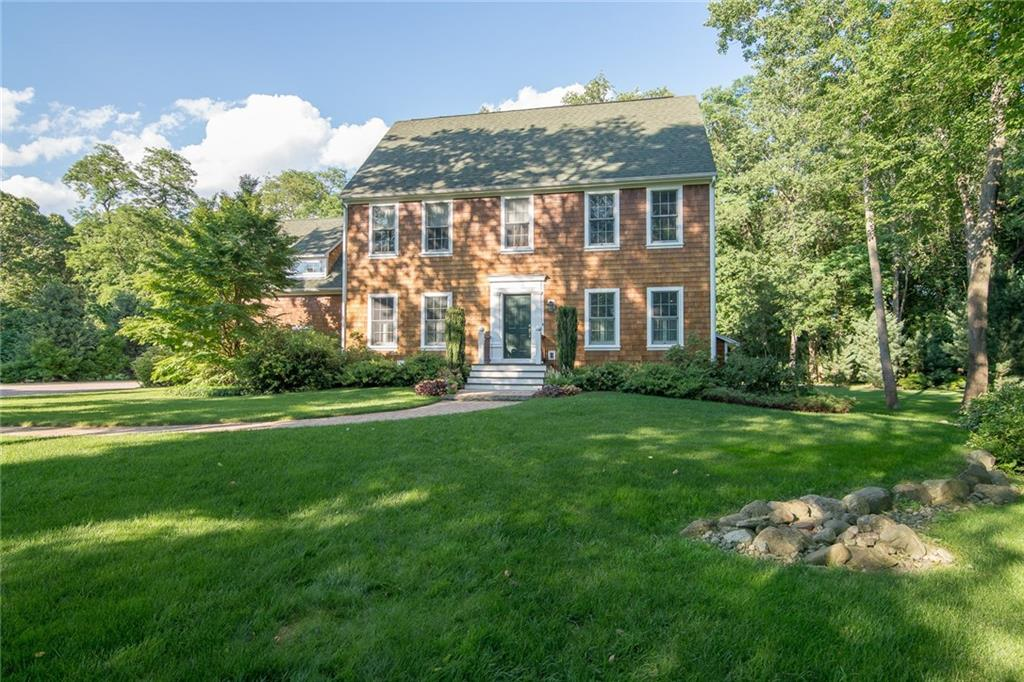 6 BRICK POND DR, Barrington, RI 02806