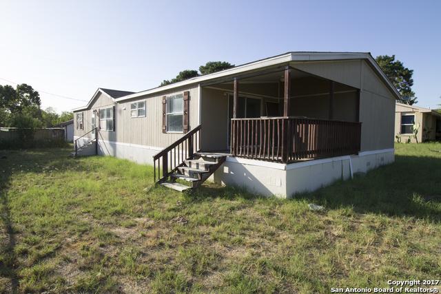 403 Wilkins Way, Devine, TX 78016