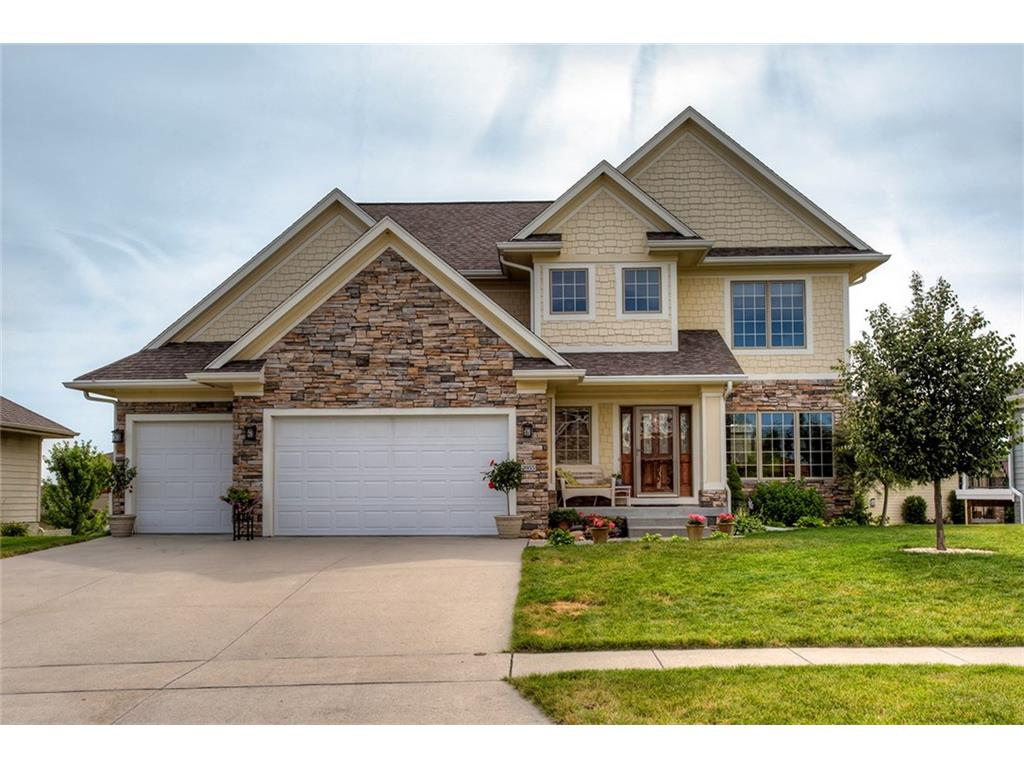 2055 Sugar Creek Drive, Waukee, IA 50263