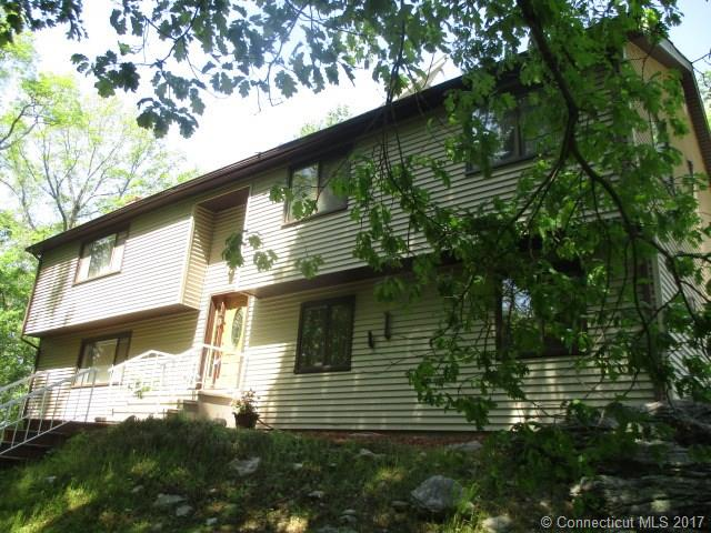 5 Indian Ledge Dr, Trumbull, CT 06611