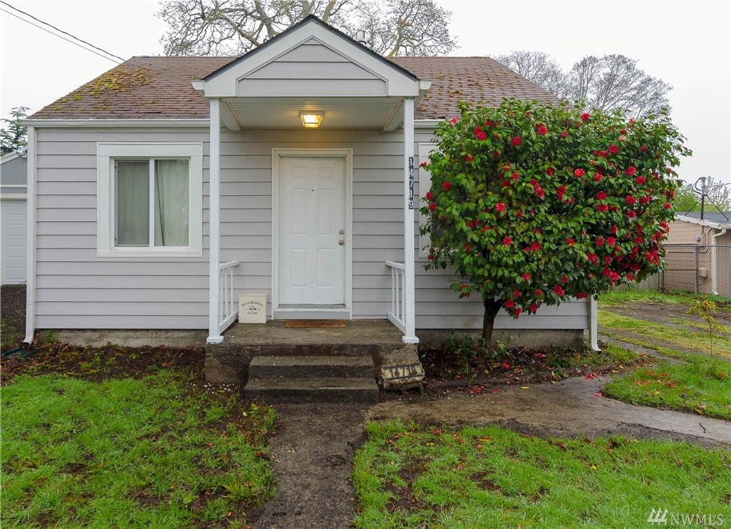 14719 W Thorne Lane SW, Lakewood, WA 98498