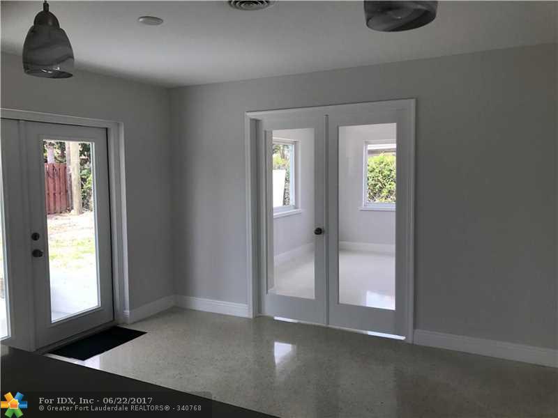 420 SE 3rd St, Deerfield Beach, FL 33441