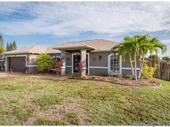305 Ne 20th St, Cape Coral, FL 33909