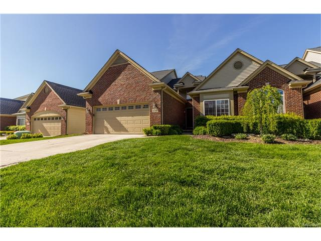1736 PINE FOREST DR, Commerce Twp, MI 48390
