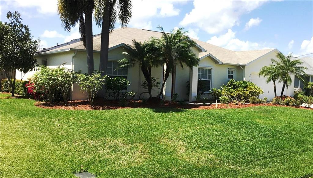 5472 NW Thyer Circle, Port Saint Lucie, FL 34983