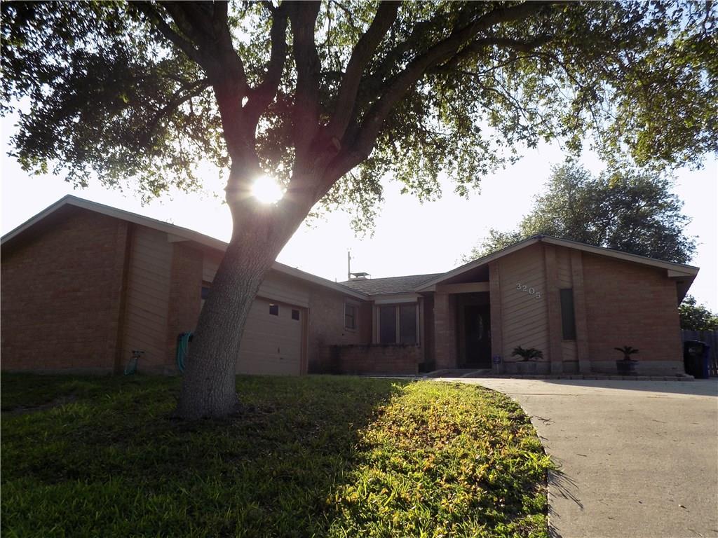 3205 Fair Oaks Dr, Corpus Christi, TX 78410