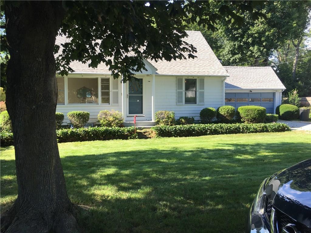 14 West Hill DR, Cranston, RI 02920