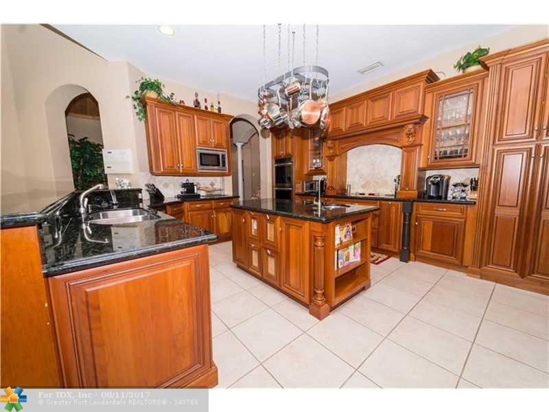 915 NW 124th Ave, Coral Springs, FL 33071