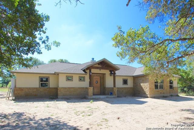 109 BOBBY LYNN DR, La Vernia, TX 78121