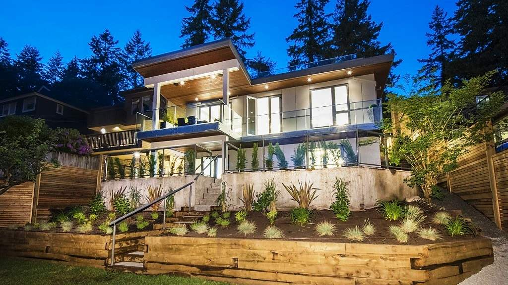 1033 W KEITH ROAD, North Vancouver, BC V7S 3J5
