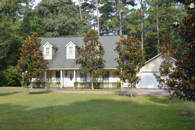 167 Crawford Camp Ln., Monticello, MS 39645