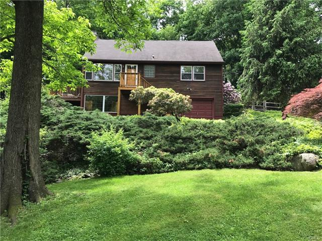25 Split Level Road, Ridgefield, CT 06877