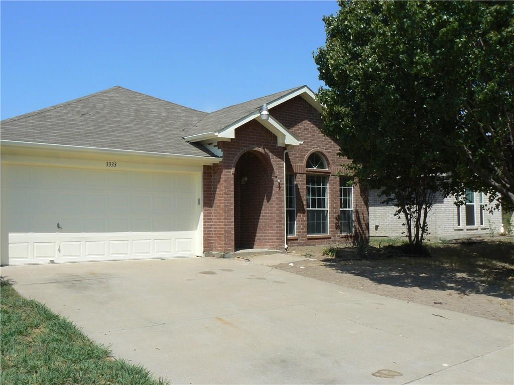 3333 Willouby Drive, Grand Prairie, TX 75052