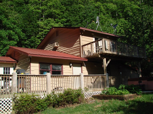 1444 Ray Cove Road, Franklin, NC 28734