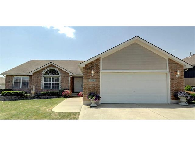 2006 NW Rosewood Drive, Grain Valley, MO 64029