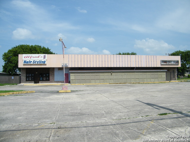 2216 COMMERCIAL AVE, San Antonio, TX 78221