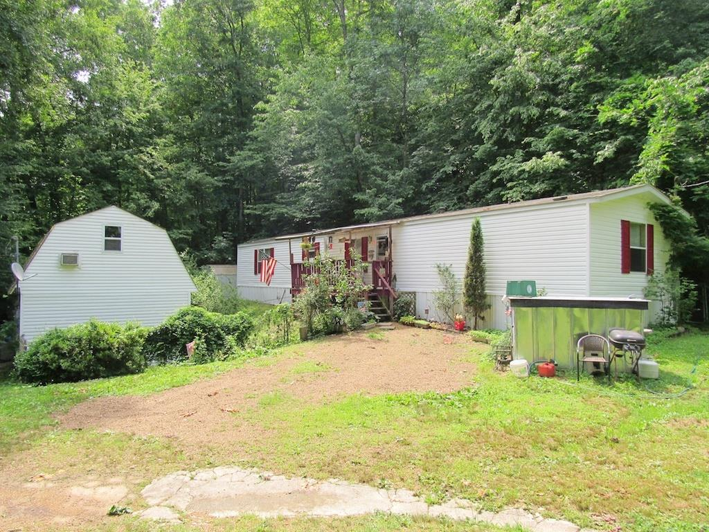 13688 Crooked Creek Rd, Lobelville, TN 37097