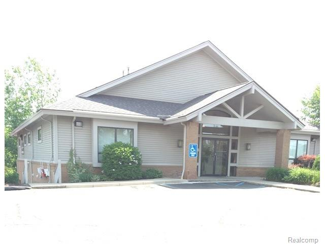 1221 S ORTONVILLE RD, Brandon Twp, MI 48462