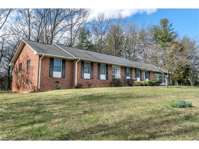 132 W LAUREL Lane, Etowah, NC 28729