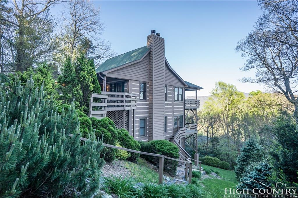 105 Locust Lane, Blowing Rock, NC 28605