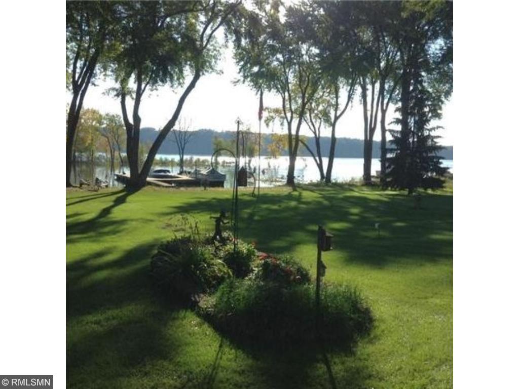 405 Lakeside Drive S, Bayport, MN 55003