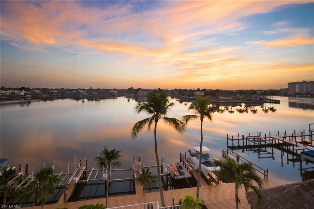 9566 Gulf Shore DR 304, NAPLES, FL 34108