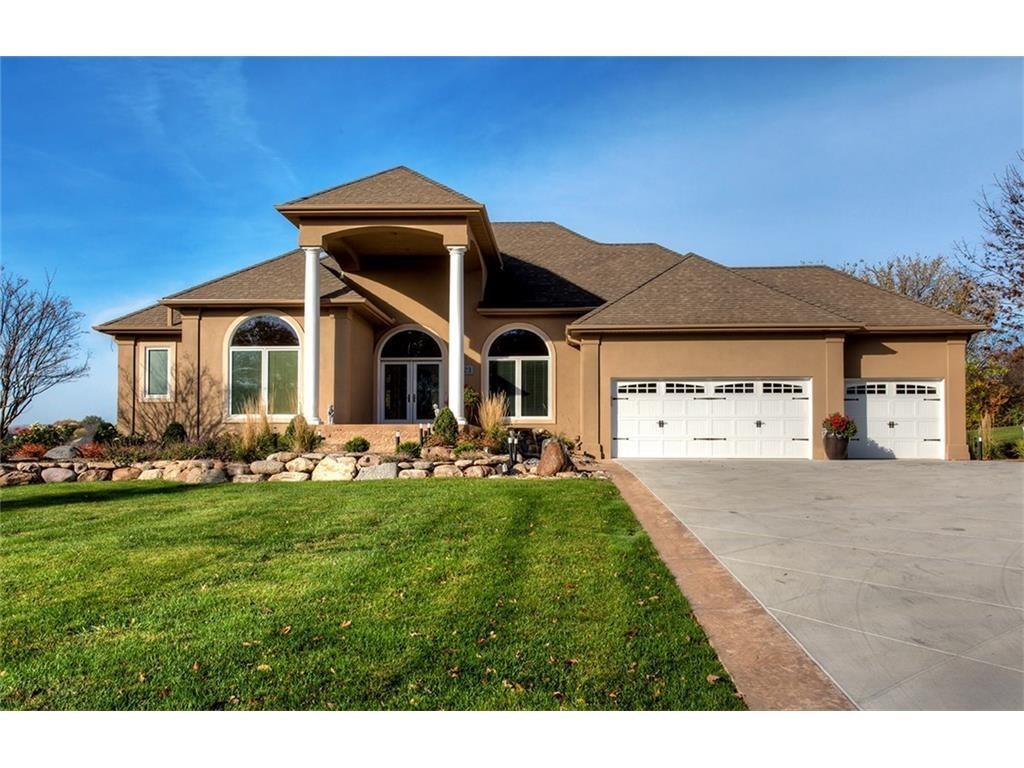1723 Glen Oaks Drive, West Des Moines, IA 50266